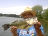 25inches big ole fat belly gal, used a wave worm bamboo tiki stik green pumpkin kansas st lake eastern ks. Caught on 5/0 gama hook with 1/4 oz barrel wt. just slow popin deep. The pole 6.5' was a bass pro med. crankin pole with a bass pro tourney bait caster on triliene 12lb test. I like the tri line it stands up to abuse yet I get decent hook sets and great feel on my plastics. It is essential to me to feel them sucking on em or if they are running with it to determine how to set. when they run I like a more suttle sweep to side then a hard pressured pull and when sucking it or tasting it a rapid up motion works best. I like just skim hooking my worms it keeps me at 98% sets. on this day memorial day 2010 three of us caught 60  all 15