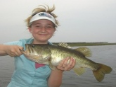 i caught this on lake Okeechobee. But our scale was broke :/ So i dont know how much it weighed.
