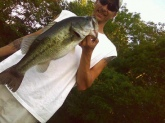 caught in local pond.weight about 7/8 lbs. caught it on a 6inch lizard,pumpkin seed in color.RETRIEVE...was slow letn it drop to bottom then bumping it cross bottom.5/07/2010